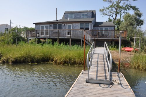 WATERFRONT RENTAL