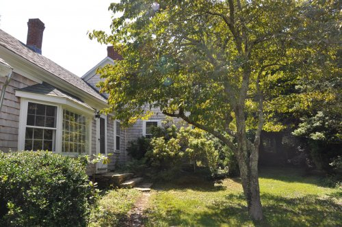 CHARMING IN VINEYARD HAVEN