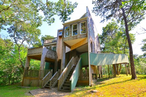 EDGARTOWN - The Tree House!